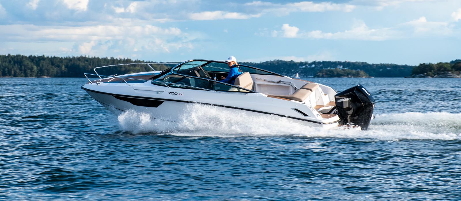 Full fart med Flipper 700 daycruiser (DC) hos Flipper Marin