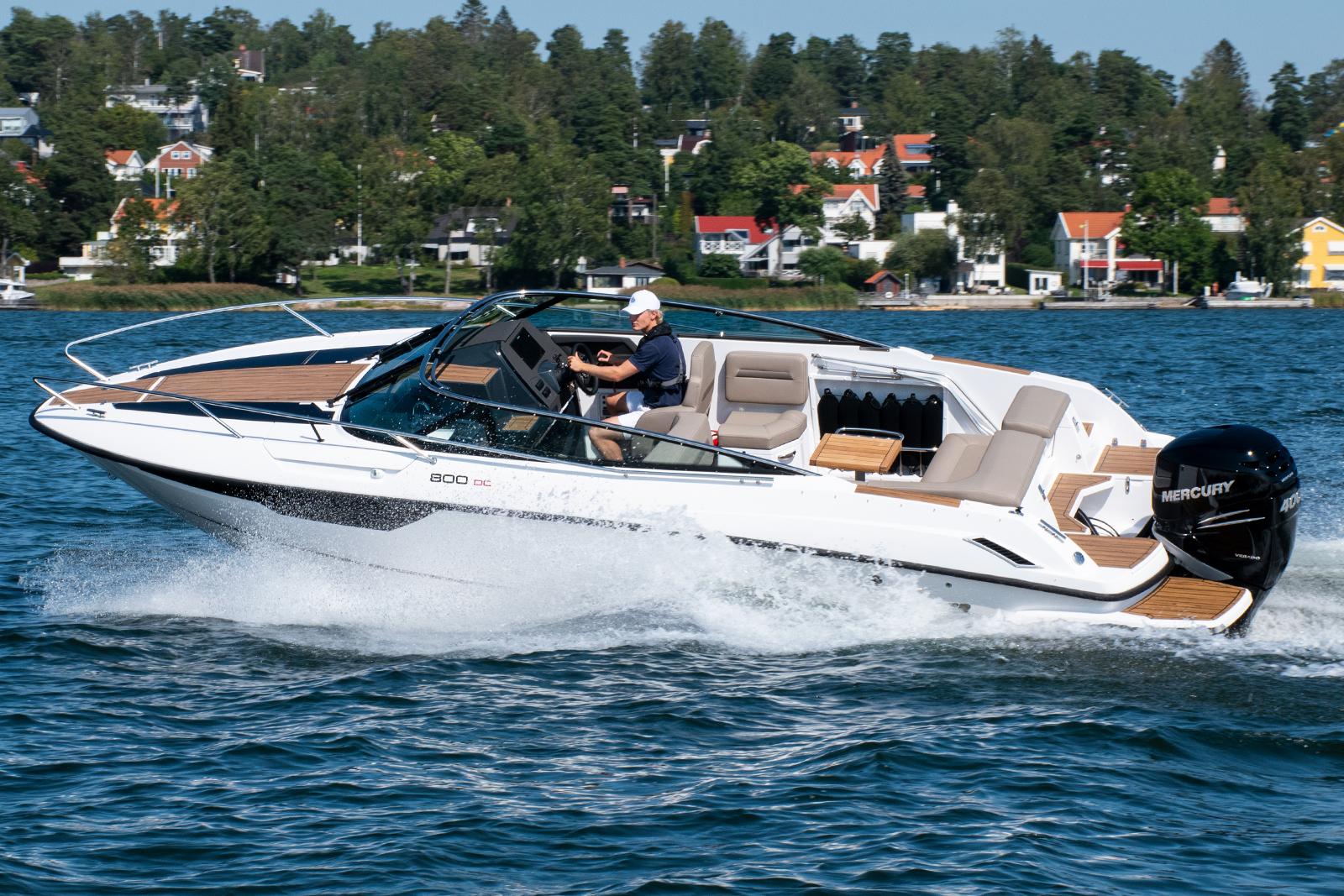 Flipper 800 DC (daycruiser) med mercury V8-300 Verado