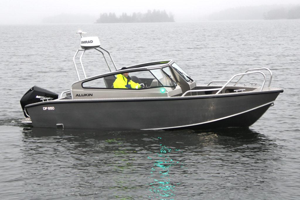 Ny Alukin DP 650 med framflyttad pulpet och targabåge