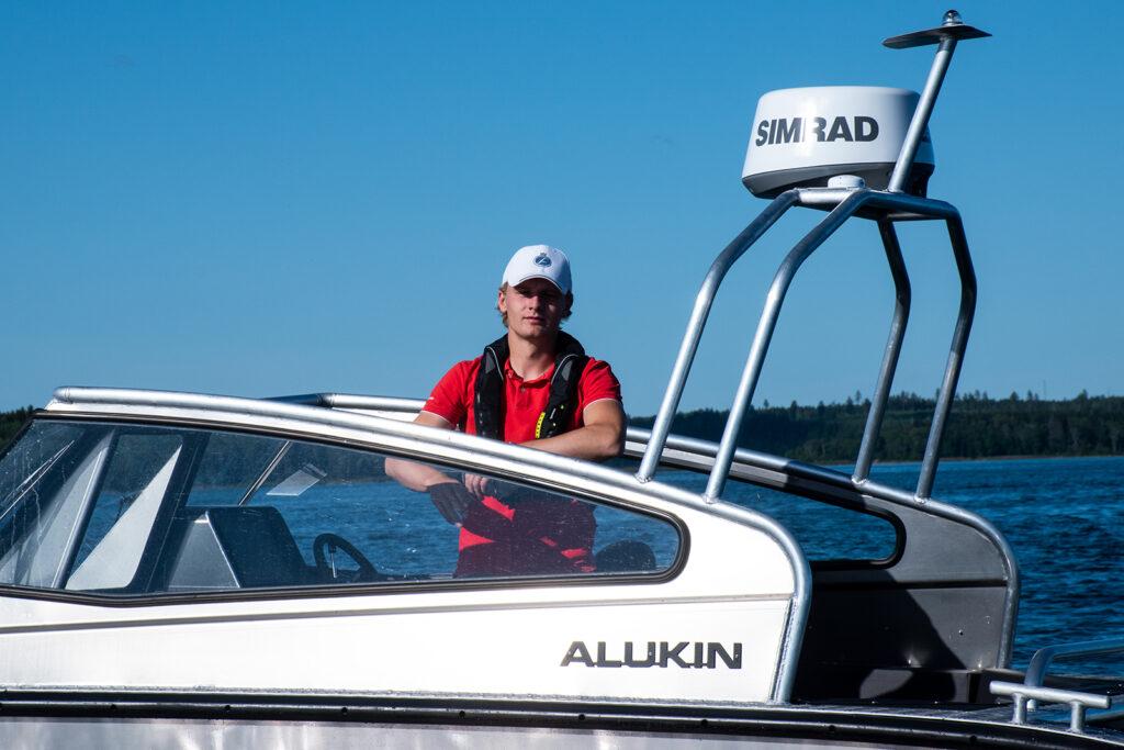 Alukin DP 650 - nyhet 2020 - provkör motorbåt hos Flipper Marin