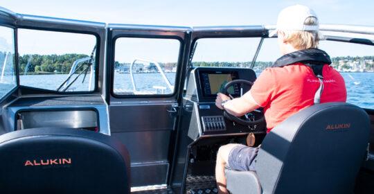 Simrad GPS och ekolod i Alukin DP 650