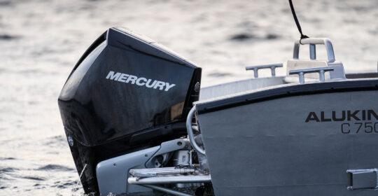 Alukin med Mercury utombordare